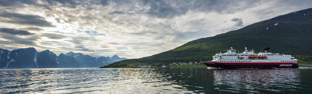 Hurtigruten coastal voyage Norway itinerary