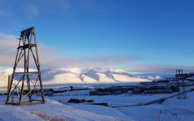 fly to svalbard from Ireland